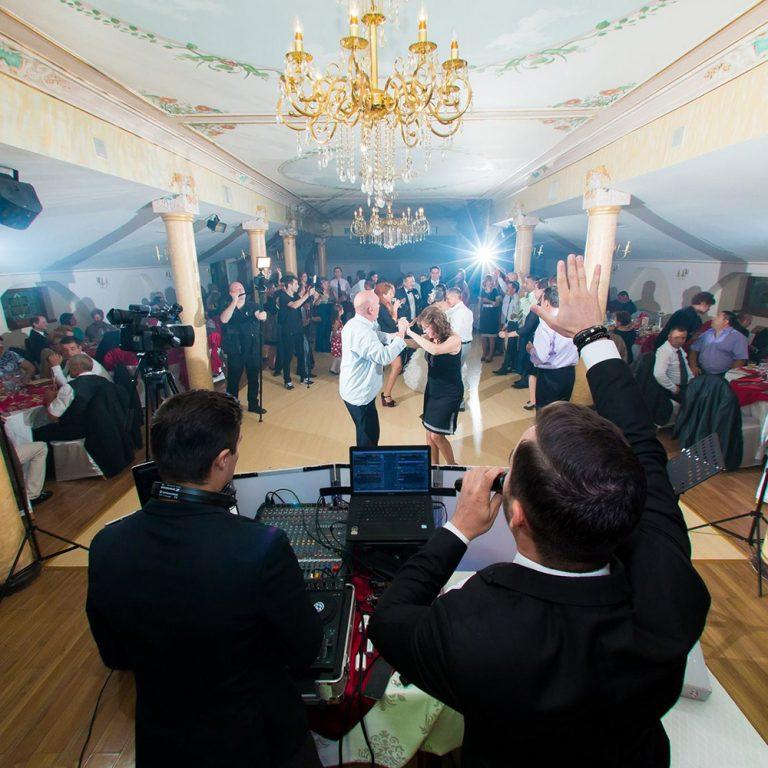 Dj pentru nunta | Dj botez | Dj petreceri corporate | Cat costa? | Cum il aleg?